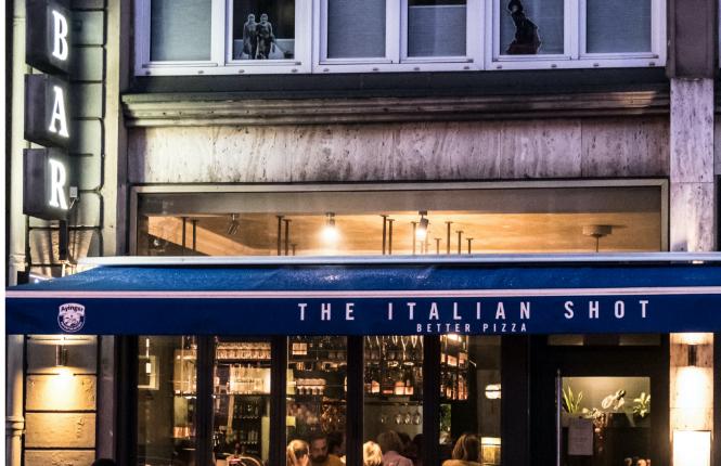 italianshot-restaurant-bar-italiener-muenchen-maxvorstadt-neapolitanische-pizza-pasta-drinks-außenansicht